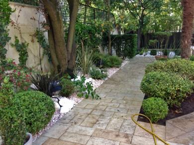 jardin a la française et esprit zen, micro irrigation